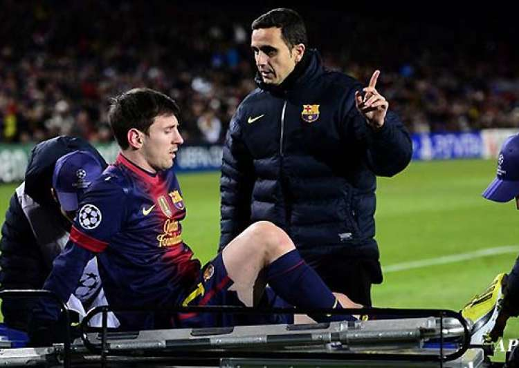 lionel messi hurt benfica draw with barcelona 0 0- India Tv