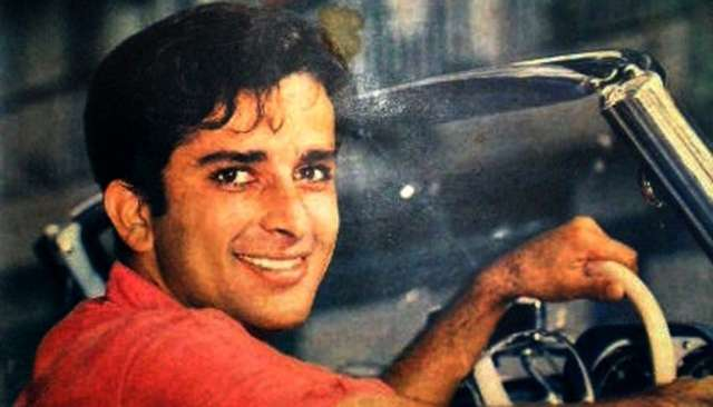 Prem Patra: Shashi Kapoor is medical student who falls in love with a colleague, played by Sadhana. Shashi's performance was remarkable. Being subtle in his acting is one of his assets.