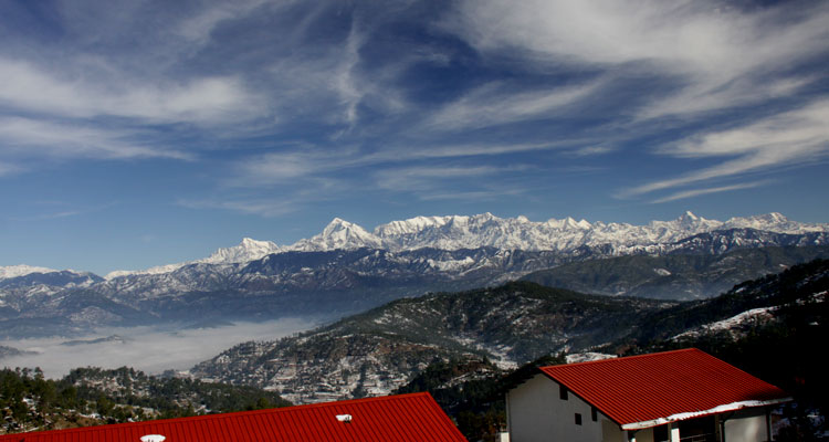 Kausani- If you're a dweller of the Northern India, then Kausani is the most accessible hill station among these 5.