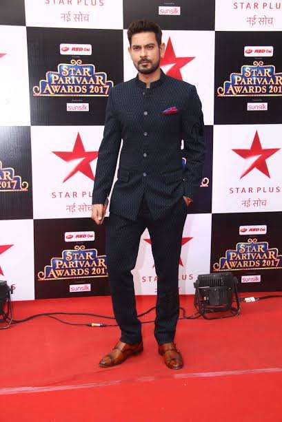 Telly actor Sharad Kelkar was looking dapper in black. He is currently receiving praises for Baahubali 2. He dubbed for Prabhas for the Hindi version of the film.