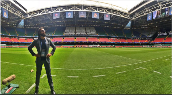 In this picture Ranveer can be seen posing in mid of the football ground. Sharing this picture on his Instagram Ranveer wrote, ''The battleground for the ultimate showdown !''