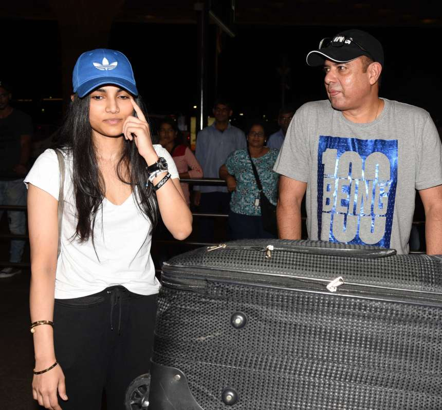 Atul Agnihotri's daughter Alizeh Agnihotri was spotted with her father at the airport. It is yet to been if she manages to give tough competition to other star kids with her red-carpet look.