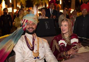 Arunoday Singh marries girlfriend Elton and the...