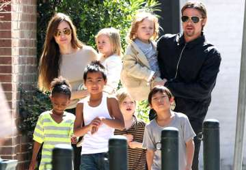 Angelina on house hunt, wants kids to stay close...