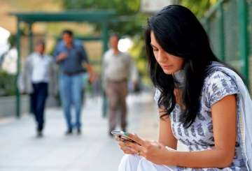 Indian Women, Smartphone, Report, Men