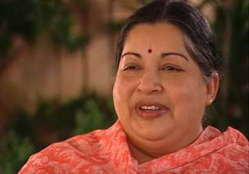 Jayalalithaa singing 'Aajaa Sanam' - India TV