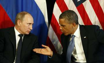 US expels 35 Russian diplomats over election...
