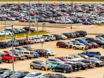 Govt looking to make parking space mandatory for...