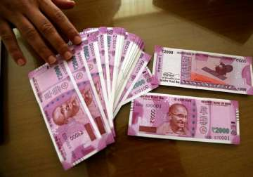 New Rs 2,000 notes on display - India TV