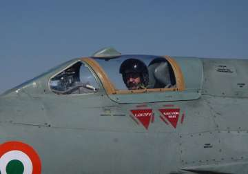 Air Force Chief BS Dhanoa flies MIG-21 fighter...
