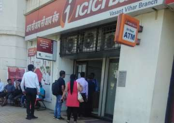 Queues at banks have shortened - India TV