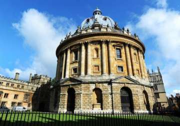 Oxford University considers foreign campus in...