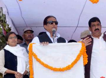 SC directs Azam Khan to appear before Allahabad...