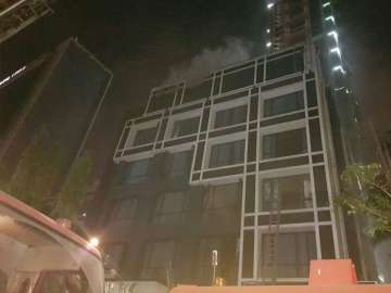 Major fire breaks out at Kolkata hotel, two dead ...