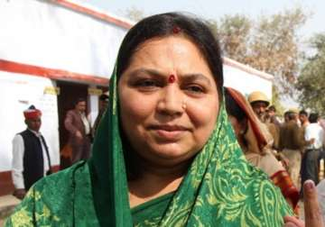 File pic of MSY's wife Sadhna - India TV