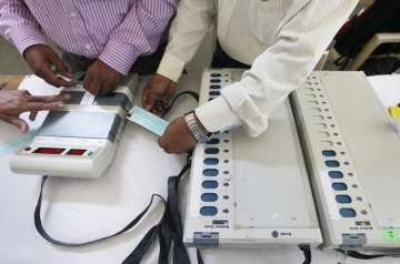 Congress, AAP demand probe after VVPAT dispenses...