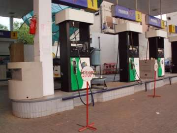 Fuel pumps in 8 states to be closed on Sundays...