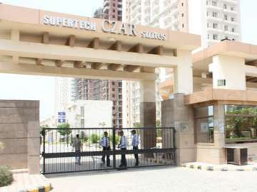HC orders sealing of over 1,000 flats in a...