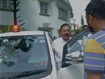West Bengal minister uses red beacon, says,...