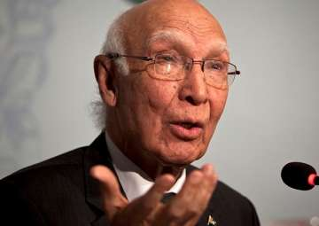 File pic of Pak diplomat Sartaj Aziz - India TV