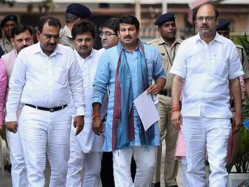 Manoj Tiwari leads the BJP delegation after...