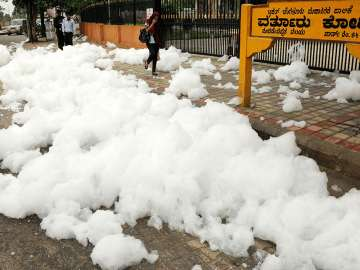 After delightful showers, Bengalureans struggle...