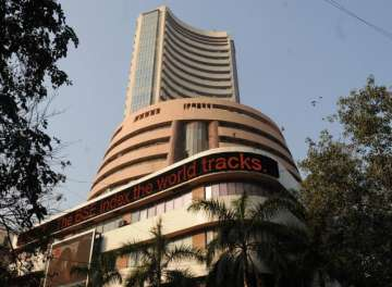 Sensex on Friday touched 31,000-mark - India TV