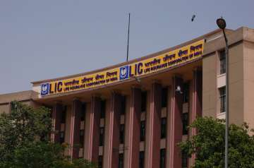 Three MDs to collectively decide on LIC...