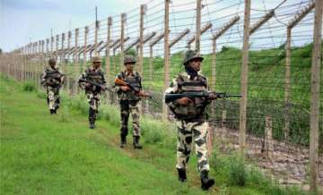 Army personnel along LoC