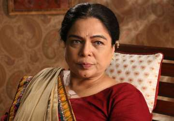 Reema Lagoo's role in Naamkarann as Dayawanti...