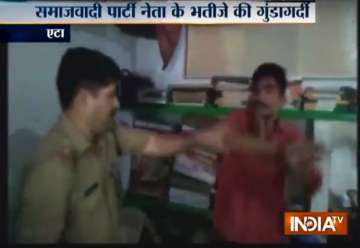 Samajwadi Party leader's nephew assaults cop...