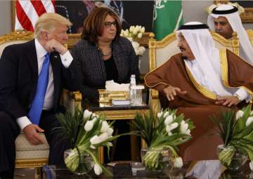 Donald Trump talks with Saudi King Salman in...