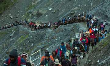 Amarnath Yatra resumes after day-long suspension...