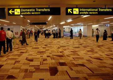 Foreign currency worth Rs 93 lakh seized at Delhi...