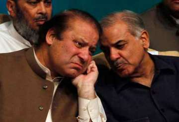Former Pak PM Nawaz Sharif with brother Shahbaz ...