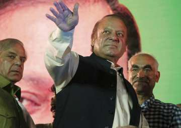 Nawaz Sharif gets ecstatic welcome in Lahore -...