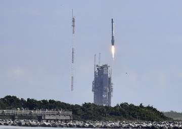 SpaceX launches Air Force's super-secret...