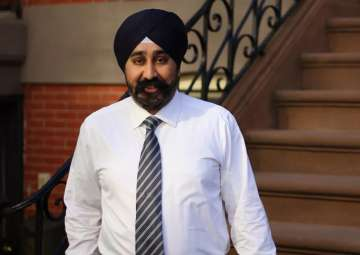 Ravinder Bhalla becomes first Sikh mayor of...