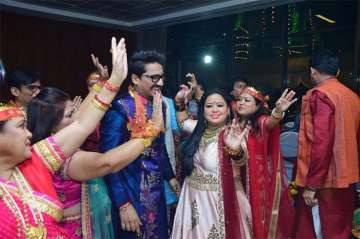Bharti Singh and Harsh Limbachiyaa offer prayers...