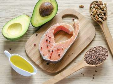 Add nuts oily fish to daily diet and prevent risk...