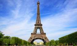 Breaking: Eiffel Tower in Paris evacuated, police at the