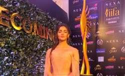 Alia Bhatt won best actress for Raazi.