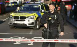 UK police clear London Bridge after reports of gunshots