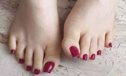 Scientists develop effective coating solution for smelly feet