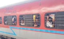 Migrant workers mumbai, Migrant workers news, Migrant workers return due to covid, Migrant workers m