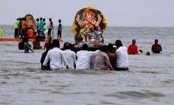 Mumbaikars bid adieu to Lord Ganesh; over 400 idols