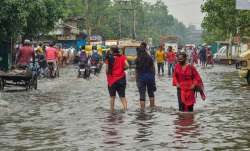 Heavy rainfall with thunderstorm lashes several parts of