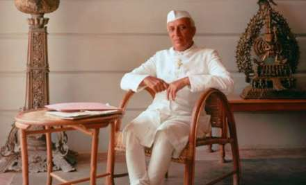 10 Inspiring quotes by the first Prime Minister of India-
