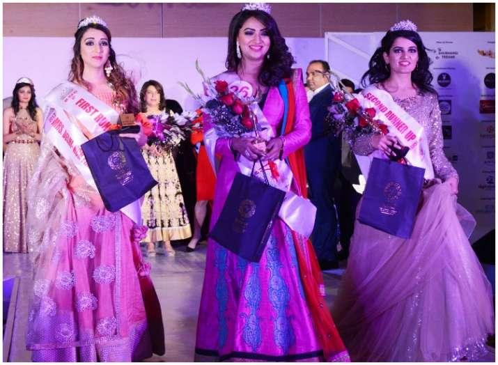 Akanksha Gupta And Shelly Soni Win Mrs Delhi Ncr 2018 Lifestyle News India Tv
